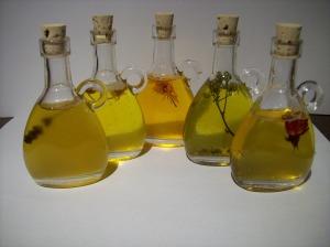 Carrier oils - oils-740177_1920 - pixabay